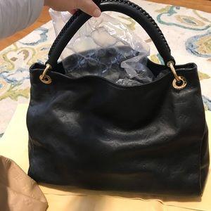 Louis Vuitton artsy empriente noir bag